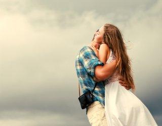 Sognare di abbracciare qualcuno significato donnad for Sognare che il tuo ragazzo ti lascia per un altra