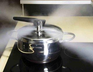 Pentola a pressione: come si usa, tempi di cottura e consigli utili  DonnaD