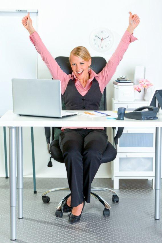 Esercizi per la tua palestra in ufficio donnad - Palestra a casa esercizi ...