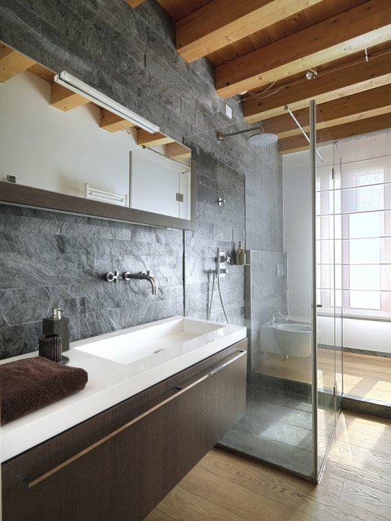 Ristrutturare i servizi igienici e ricavare un secondo for Servizi da bagno moderni