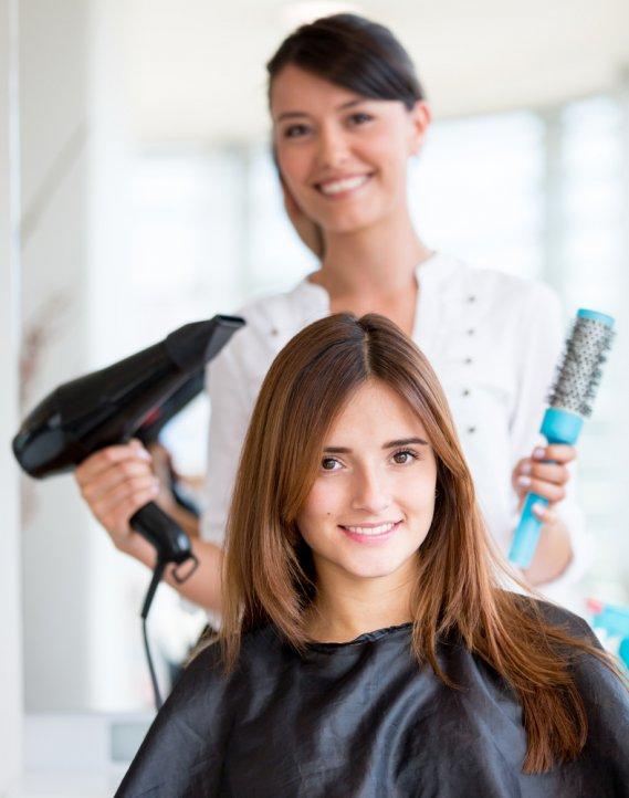 Abc dei capelli dal bagno di colore al taglio donnad - Bagno di colore copre i capelli bianchi ...