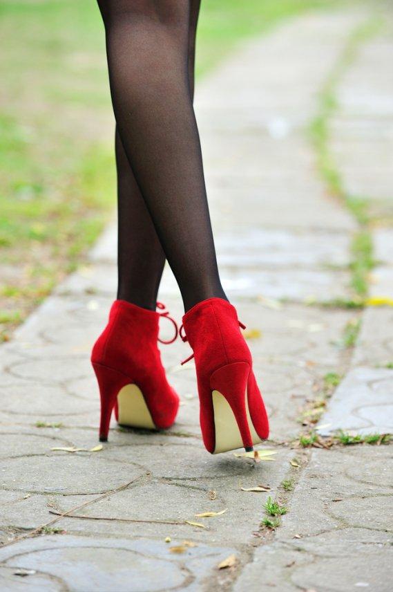 Pisciata su scarpe e calzini - 5 2
