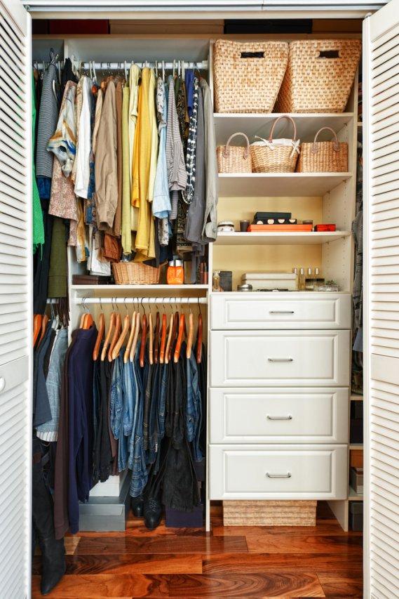 tarme lana e cotone nell'armadio: proteggere i vestiti | donnad