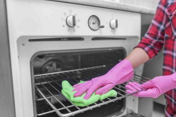 Prodotti efficaci per pulire il forno tradizionale e a - Forno microonde e tradizionale insieme ...