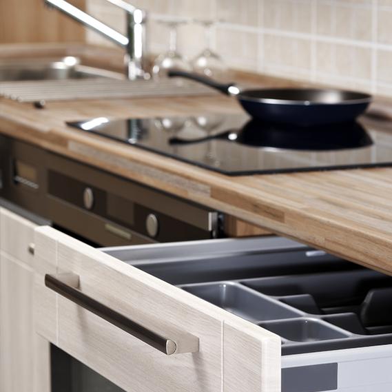 I consigli salvaspazio per tenere la cucina sempre in ordine donnad - Mobiletti salvaspazio per cucina ...