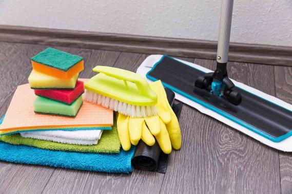 Come pulire il laminato opaco plastico e in legno donnad - Pulire porte legno ...