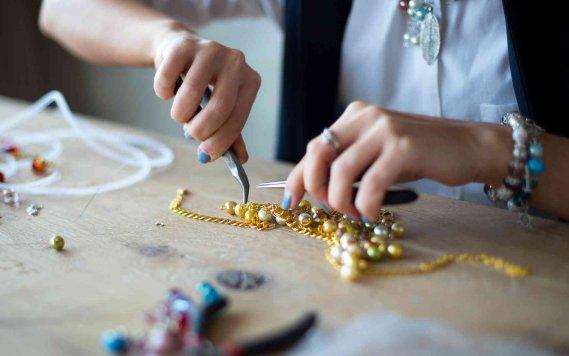 Come creare gioielli fai da te idee e soluzioni donnad for Idee da creare