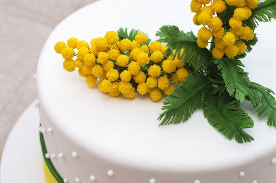 Cake Design Milano Marzo 2018 : Festa della donna, delicate decorazioni in pasta di ...