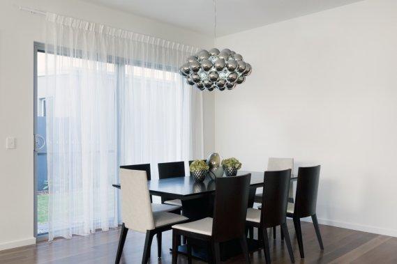 Come si arreda una sala da pranzo piccola | DonnaD