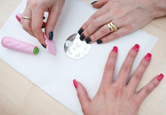 Stampini per unghie: informazioni, foto, tipologie, idee