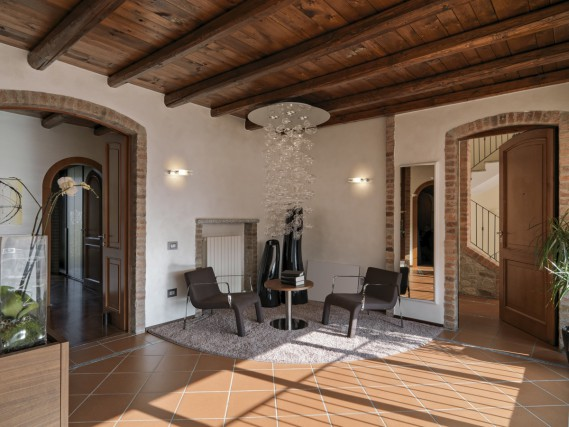Arredamento moderno con pavimento in cotto idee e stili for Arredamento casa contemporaneo