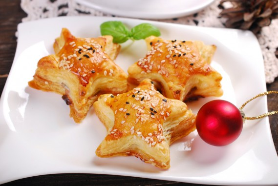 Antipasti Di Natale Belli.Antipasti Di Natale In Pasta Sfoglia 10 Ricette Semplici Donnad