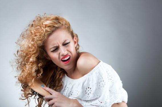 Come pettinare i capelli ricci prima di lavarli | DonnaD