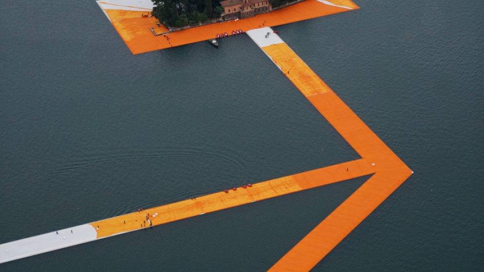"""Perché visitare """"The floating piers"""" di Christo sul Lago d'Iseo"""