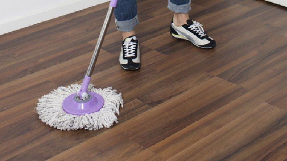 Come pulire il parquet laminato donnad for Pulire parquet