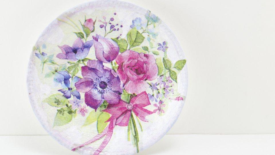 Il piatto personalizzato e decorato con il decoupage di - Decorazioni decoupage ...