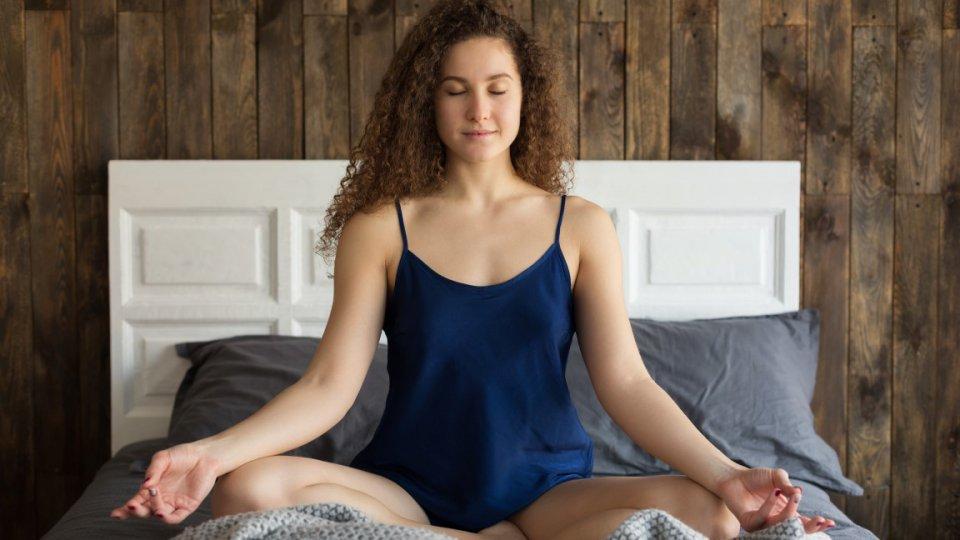 Insonnia e difficoltà ad addormentarsi: i rimedi naturali per risolvere il problema
