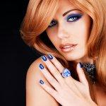 bellezza unghie smalti colori moda blu autunno donne donna