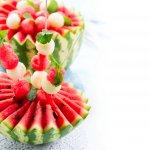 presentazione consigli frutta verdura fantasia piatto