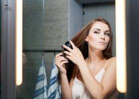 Spazzola per capelli lisciante: cosa è e come si usa