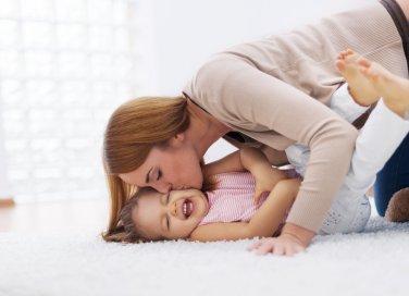 mamma-bambino-affetto-genitore