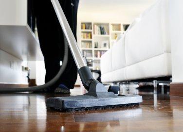lavatrice aspirapolvere filtro vaschetta spazzola pulizia igiene gesti consigli suggerimenti aceto bianco bucato capi indumenti pavimenti superficii