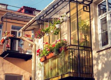 come pulire i balconi