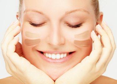 Il tipo di fondotinta che si sceglie è molto importante nella definizione del proprio stile make-up