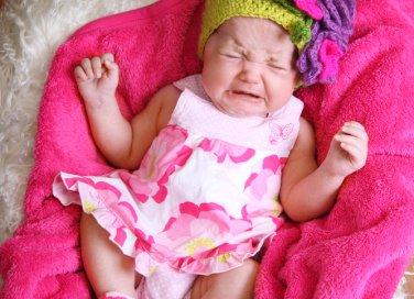 bambina che piange