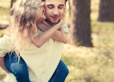 coppia felice innamorati amore