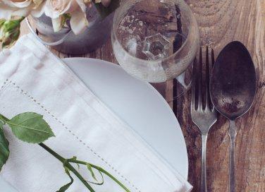 cena, organizzare, invitati, banchetto, menu, tavola, cibo, ricette, piatti, specialità, preparazione, donne, donna
