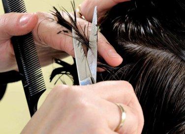 quando tagliare i capelli secondo il calendario lunare