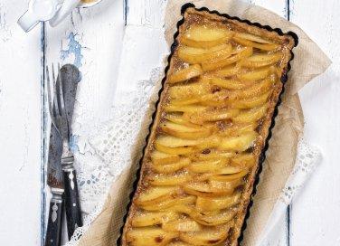 Crostata di marmellata di mele e amaretti