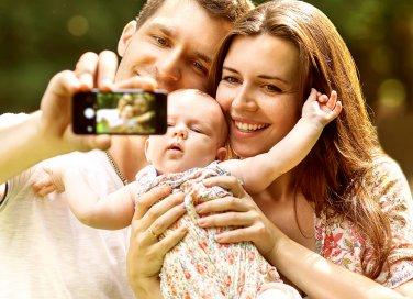 Foto dei figli sui social: sì o no?