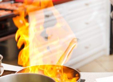 pulire pentole in acciaio e alluminio bruciate