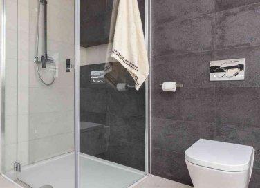 come pulire la doccia