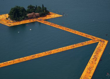 "Perché visitare ""The floating piers"" di Christo sul Lago d'Iseo"