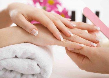 Ricostruzione delle unghie con tip o gel