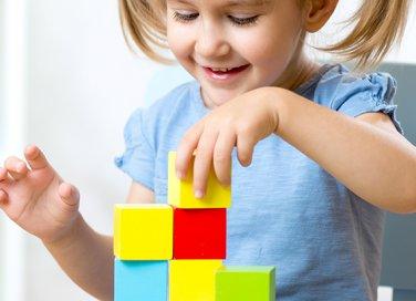 4 giochi per stimolare la creatività di tuo figlio