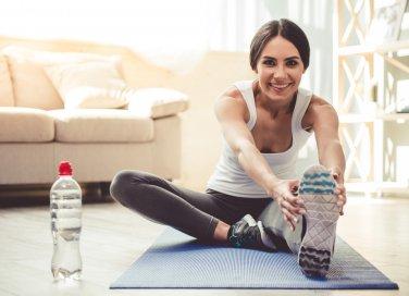 ginnastica da camera, attività sportive casa, ginnastica casa, esercizi casa, allenamento casa, allenarsi a casa senza attrezzi