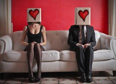 coppia, uomo innamorato, ragazzo timido