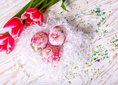 uova di pasqua decoupage, decorare uova di pasqua, decoupage, uova di polistirolo