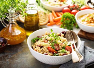 Cous cous con le verdure, la ricetta facile per un pranzo fresco