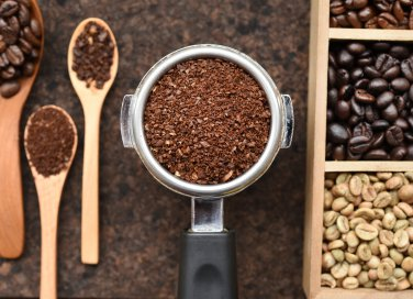 Quanti tipi di caffè esistono e le miscele migliori per fare i dolci