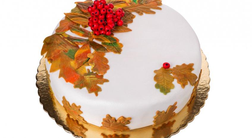 Torte per l'autunno, 5 decorazioni in pasta di zucchero per guarnirle