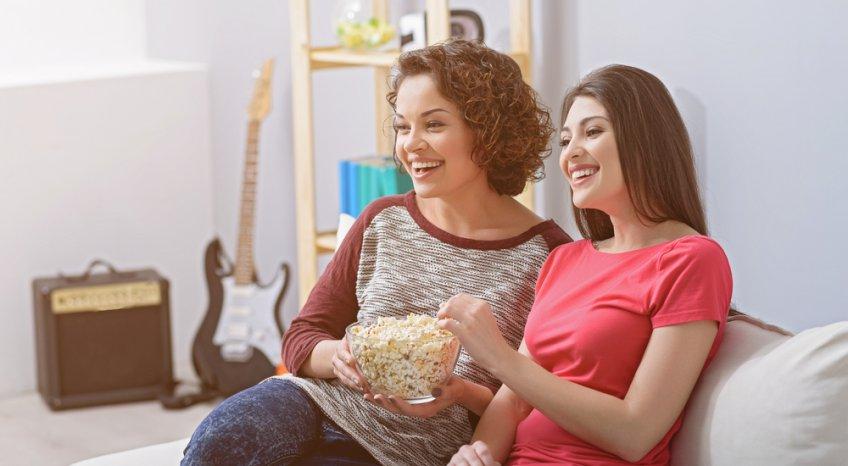 Le migliori serie tv da vedere con la tua amica del cuore