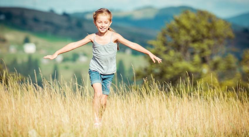Come proteggere i bambini dal sole in montagna, i consigli