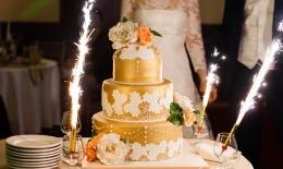 torta nuziale colore oro, torta nuziale pasta di zucchero