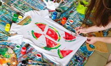 magliette tendenza decorate