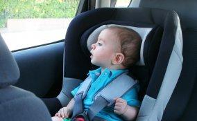 Scopri come attrezzarti per i primi viaggi con il tuo piccolo